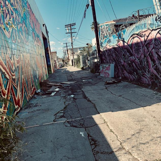 Hollywood%20alley_edited.jpg