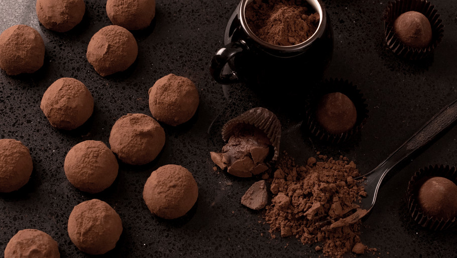 How to Make Healthy Chocolate: with 3 ingredients in less than 10 minutes.
