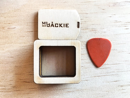 Wooden pocket box for guitar picks