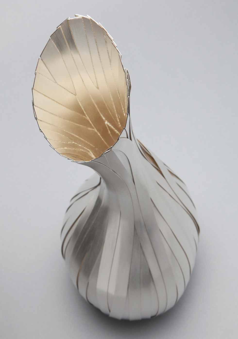 Sinew Vase