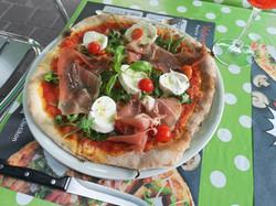 Pizza Crudo, Rucola e Bufala