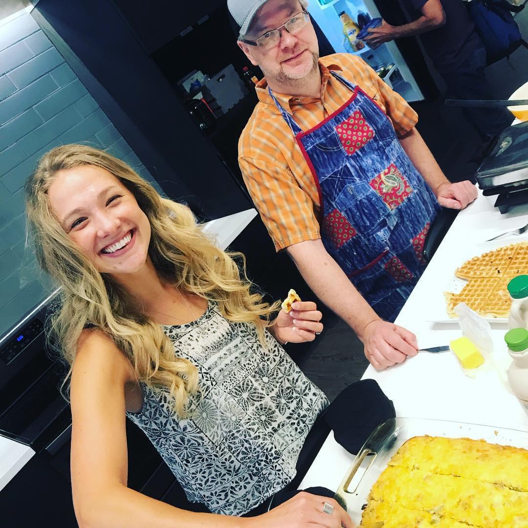 Kaelyn & Peter make breakfast!