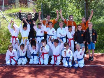 Shinsei Kan mit Freude, motiviert und erfolgreich an der Junior Karate League in Bonstetten