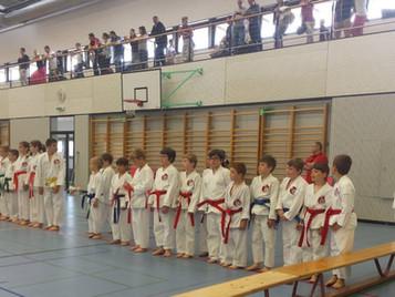 Junioren der Shinsei Kan Karateschule sammeln erste Wettkampferfahrungen