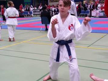 Die Shinsei Kan Karateschule mit Kampfgeist und Elan an der Swiss Karate League in Sursee