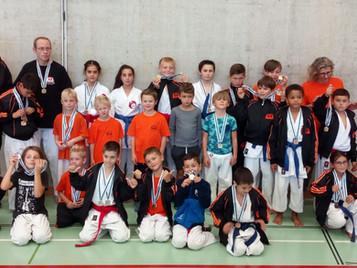 Die Shinsei Kan Karateschule räumt geniale 13 Aargauermeistertitel ab