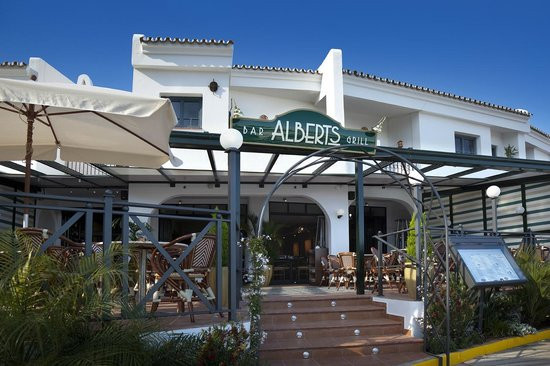 Alberts Restaurant - Cabopino Marina