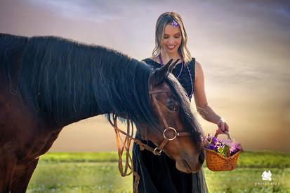 mulher e cavalo