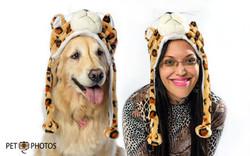 cachorro e mulher com chapéu