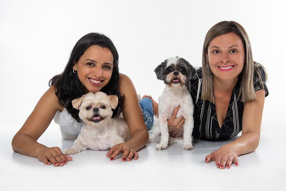 foto de familia em estudio pet