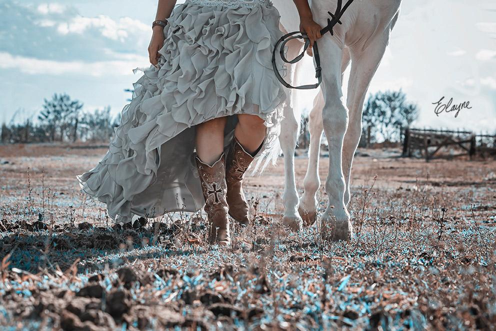botas e cavalo