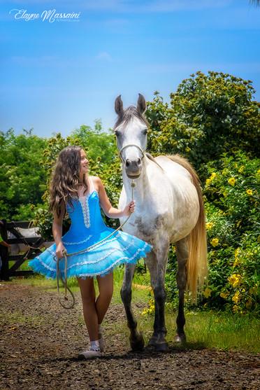 bailarina e cavalo
