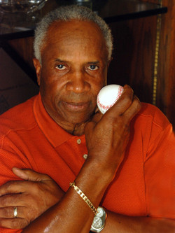 Frank Robinson - Baseball Legend