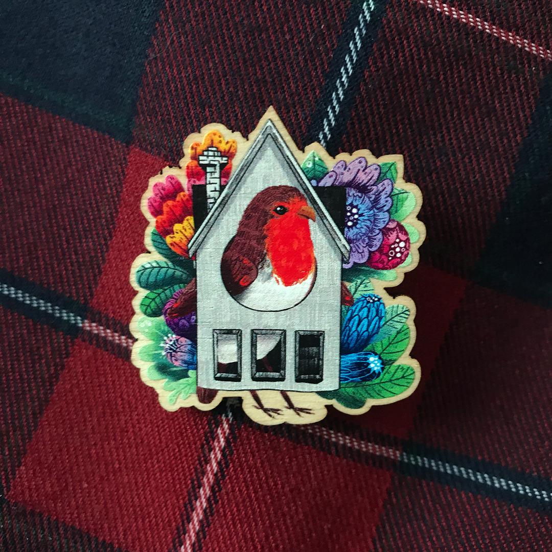 PP_Pin_Birdhouse_on fabric 2_wenb.jpg
