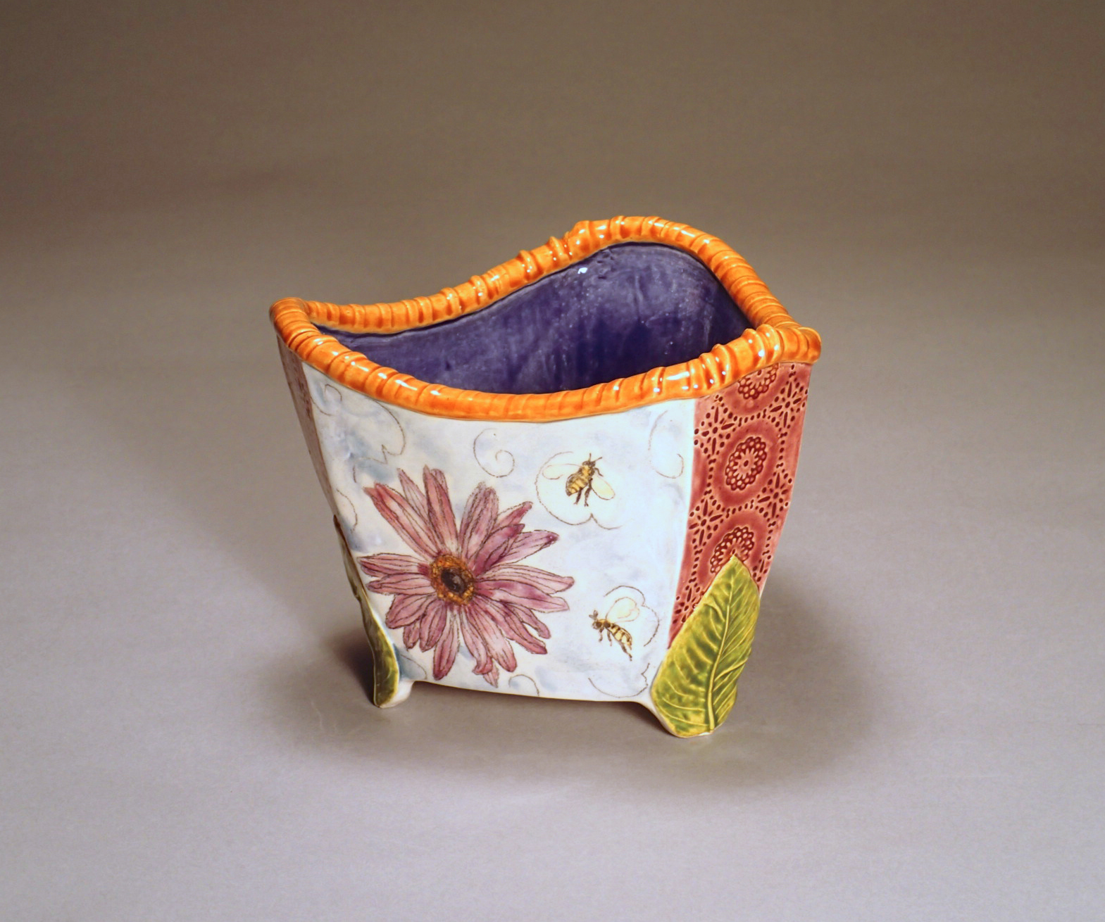 Triple Leaf Bowl, Flowers & Bees