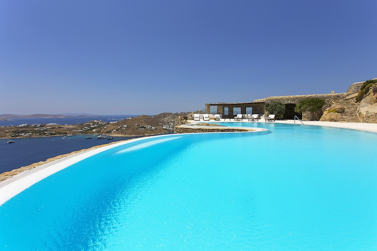 Mykonos villa with infinity pool and waterview