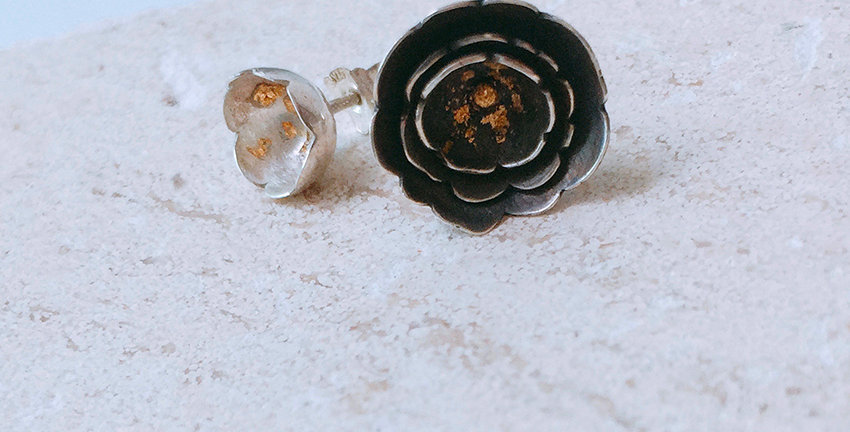 CAMELLIA Pierce Earrings