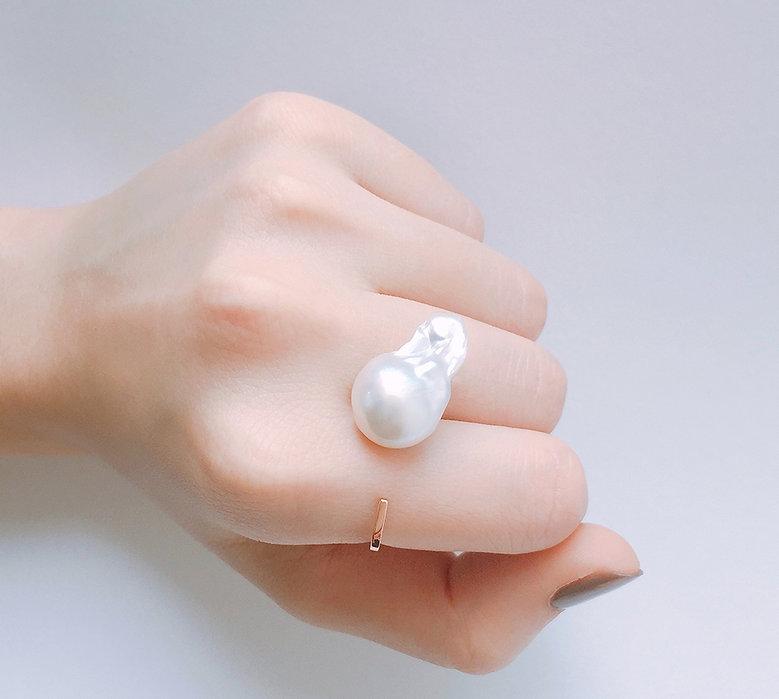 5+2 Experimental Jewellery by Janus Ng - Baroque Pearl Jewelry Series