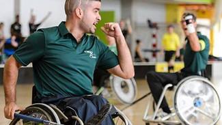 A moving experience: D&B sponsort Pinkstertoernooi rolstoelhockey