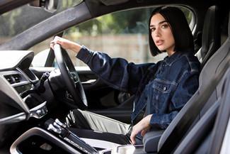 D&B The Mobility Group ondersteunt Jaguar en zangeres Dua Lipa tijdens lancering van een unieke