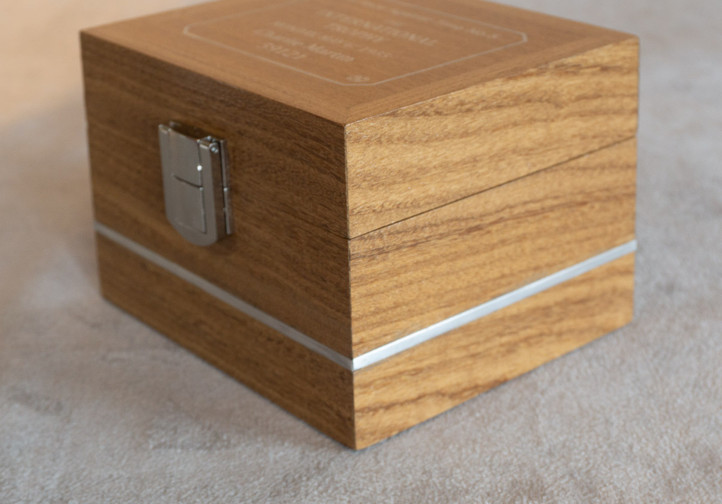 Handmade square style watch box