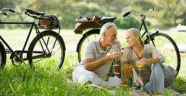 Couple pique-nique romantique