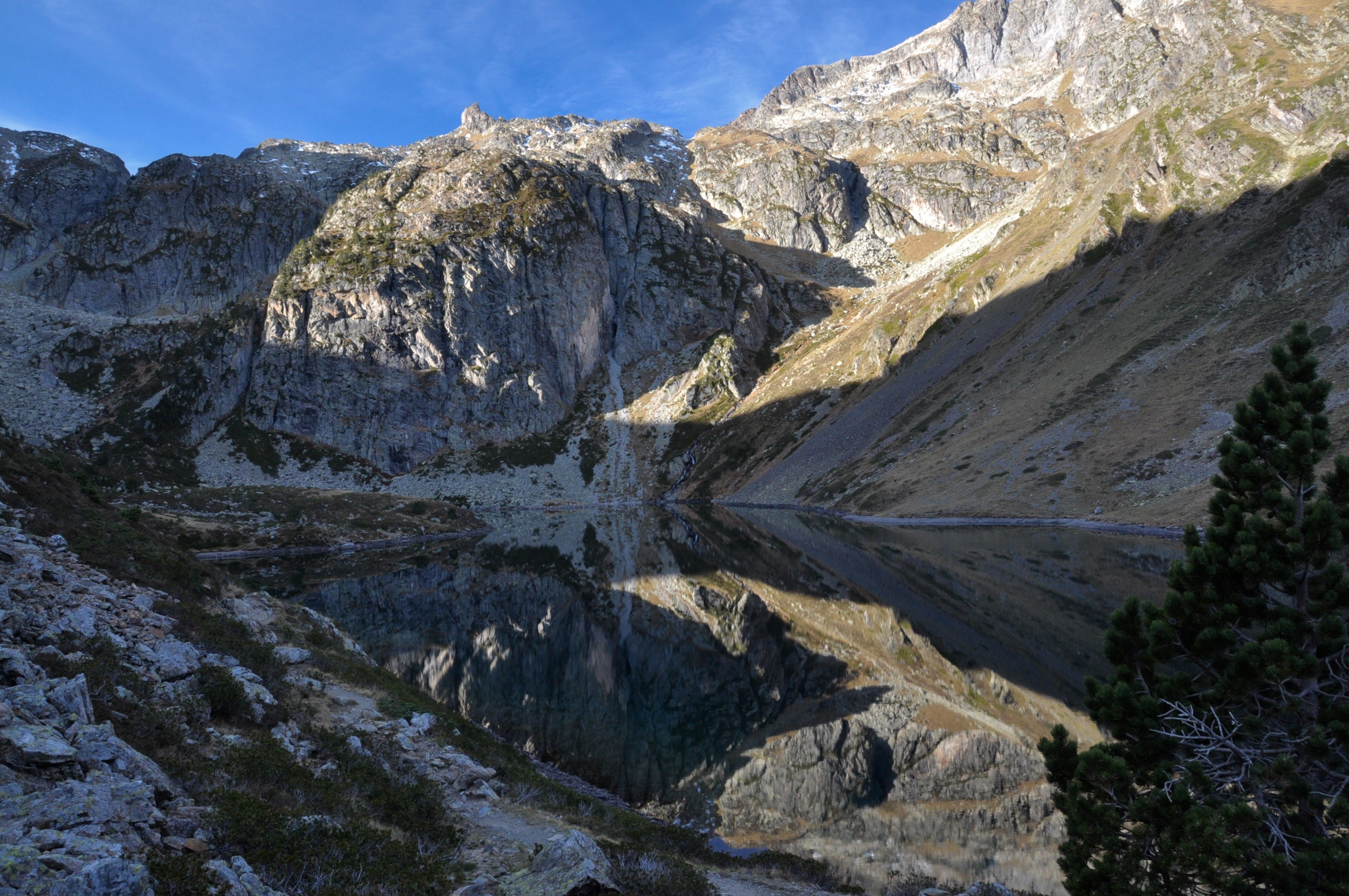 Lac d'Ilhéou ou lac Bleu