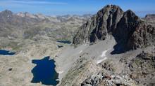 El Peñon o Pico de Serrato et Peña de Xuans (Espagne)