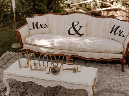 Outdoor Vintage Lounge Area