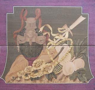 Cômoda de estilo Louis XVI