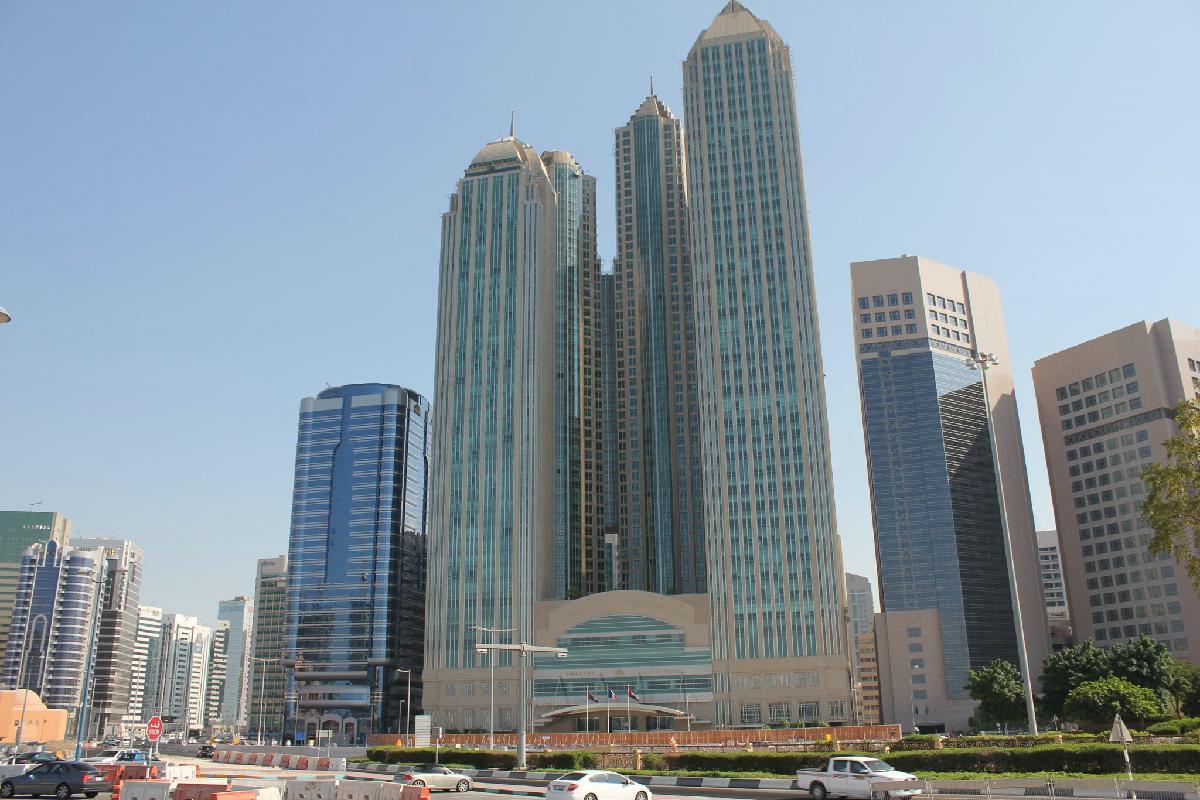002 - Abu Dhabi  - Eric Pignolo.JPG