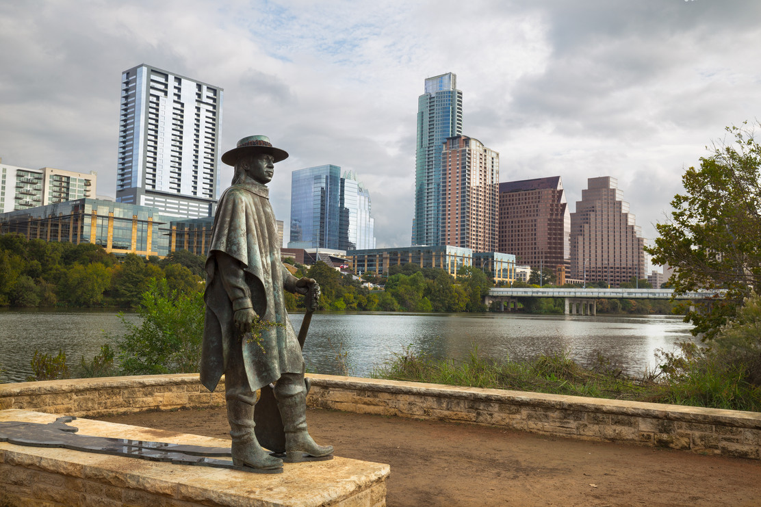 Stevie Ray Vaughan statue in front of do
