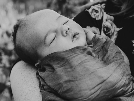 What is Lifestyle Newborn Photography?