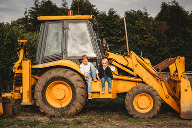 kids on jcb