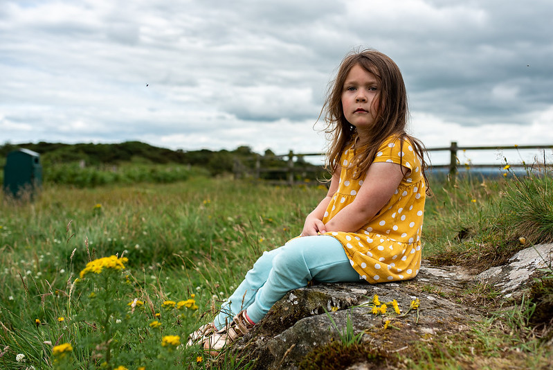 marie o mahony photography mullagh hill cavan little girl lost in thought