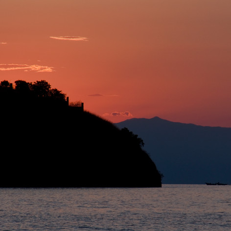 Crepúsculo en Bangwe (Kigoma) sobre las mostañas del Congo