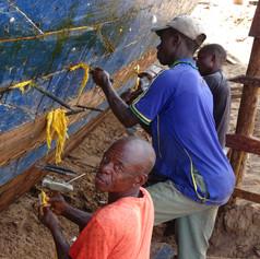 Trabajadores del astillero de Ujiji en Kigoma, Tanzania