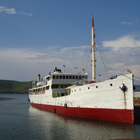 El icónico M.V. Liemba amarrado en el puerto de Kigoma, Tanzania