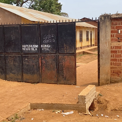 Ingresso del KPCS (Kabanga Protectorate Center and School) di Kabanga, Kigoma