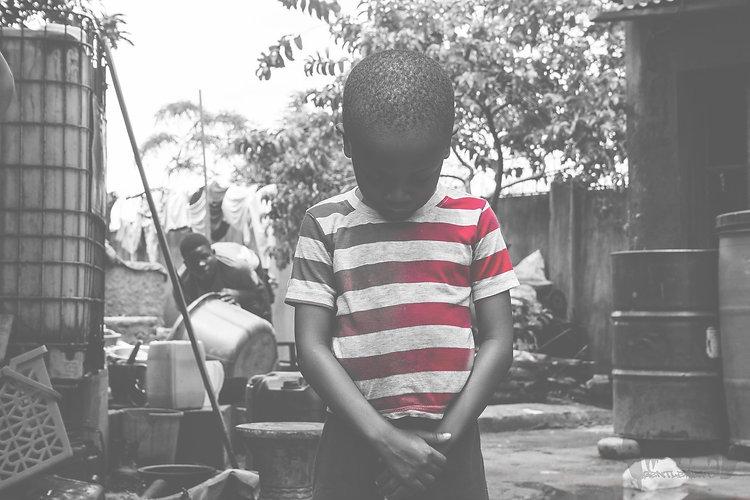 kid-2101834_1920_edited.jpg