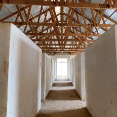 L'interno del nuovo edificio dormitorio del KPCS da 80 posti letto che sta per essere completato e attrezzato