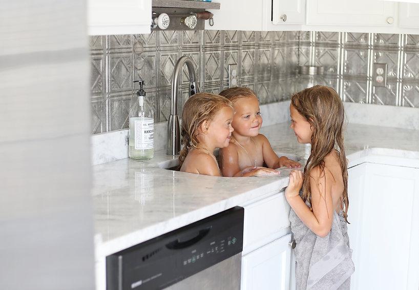 GIRLS HR kitchen .jpg