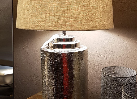 Lampada  in metallo  lavorato e argentato