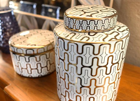Scatola in ceramica con decoro oro