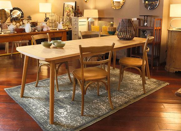 Quattro sedie in legno di olmo