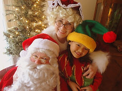 Santa, Mrs Claus and an Elf in Nashville