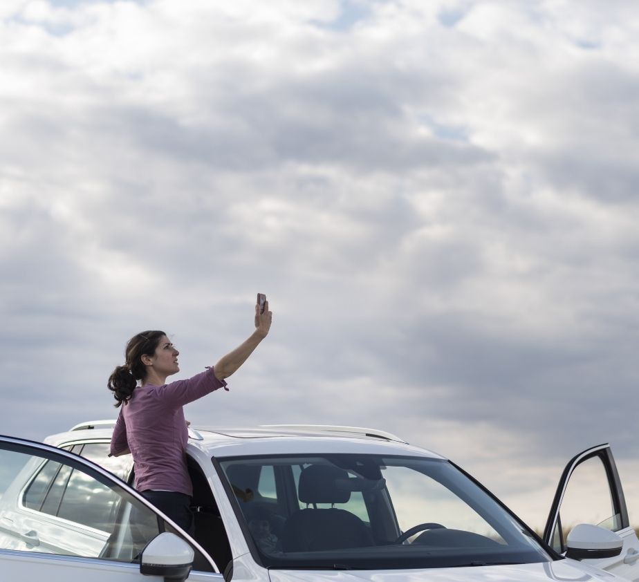 Benefits of an Improved Cellular Signal in Your Vehicle