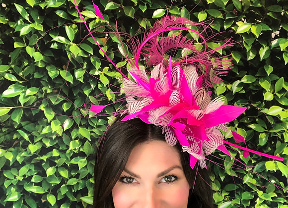 pink white Kentucky Derby fascinator hat Kentucky Oaks Thurby Racing Fashion Steeplechase headpiece what to wear Louisville