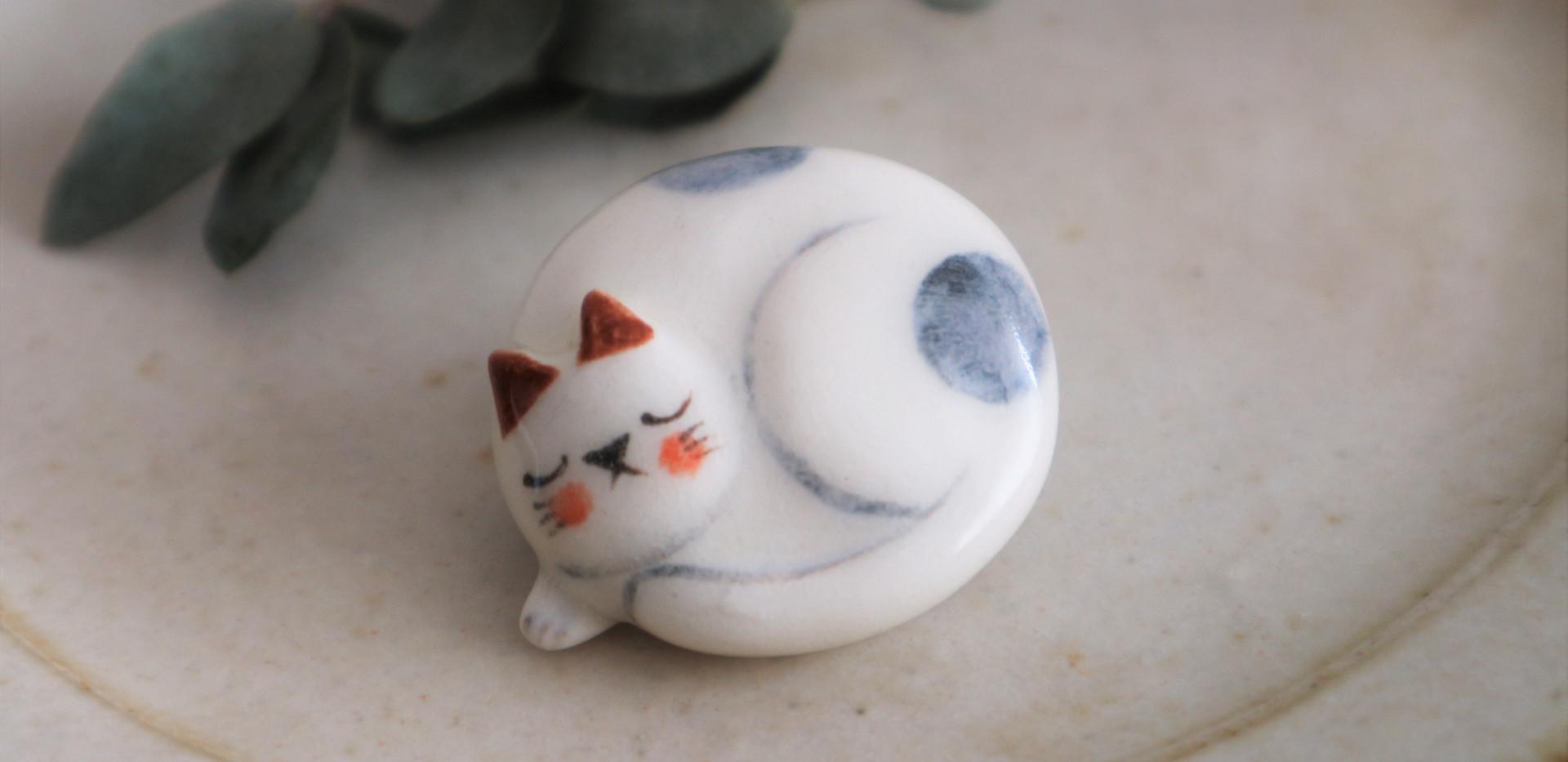 ネコのブローチ2