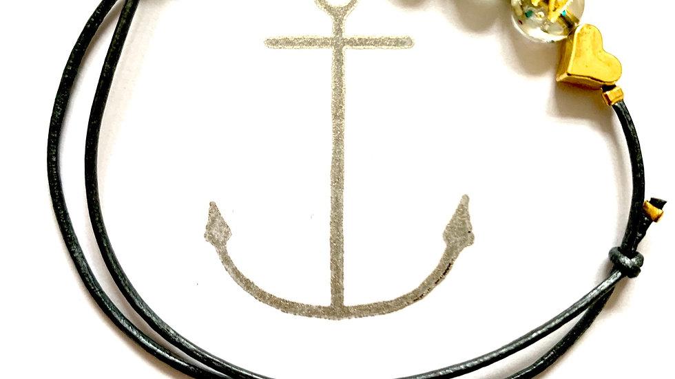 Lederarmband MOIN oder KIEL mit Glitzer-Buchstabenperlen  gold